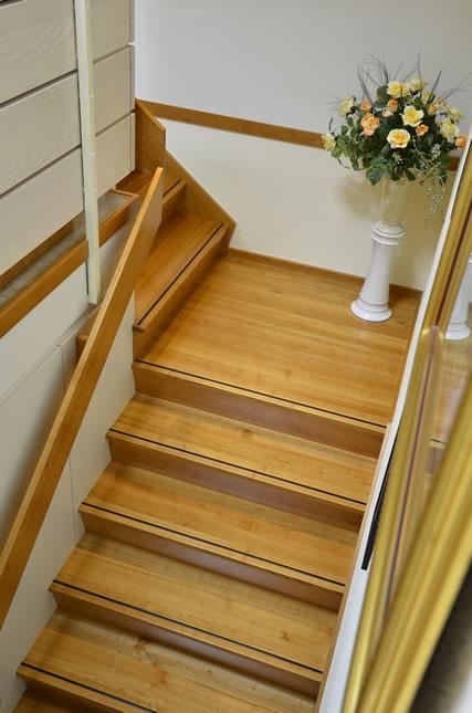 brender mehr raum f r ideen treppen in wohnbereichen. Black Bedroom Furniture Sets. Home Design Ideas
